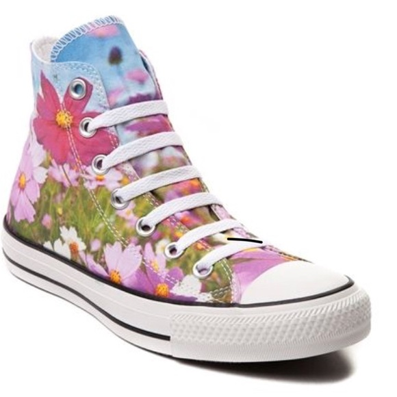 635551227c4d Converse hi top floral sneakers NEW